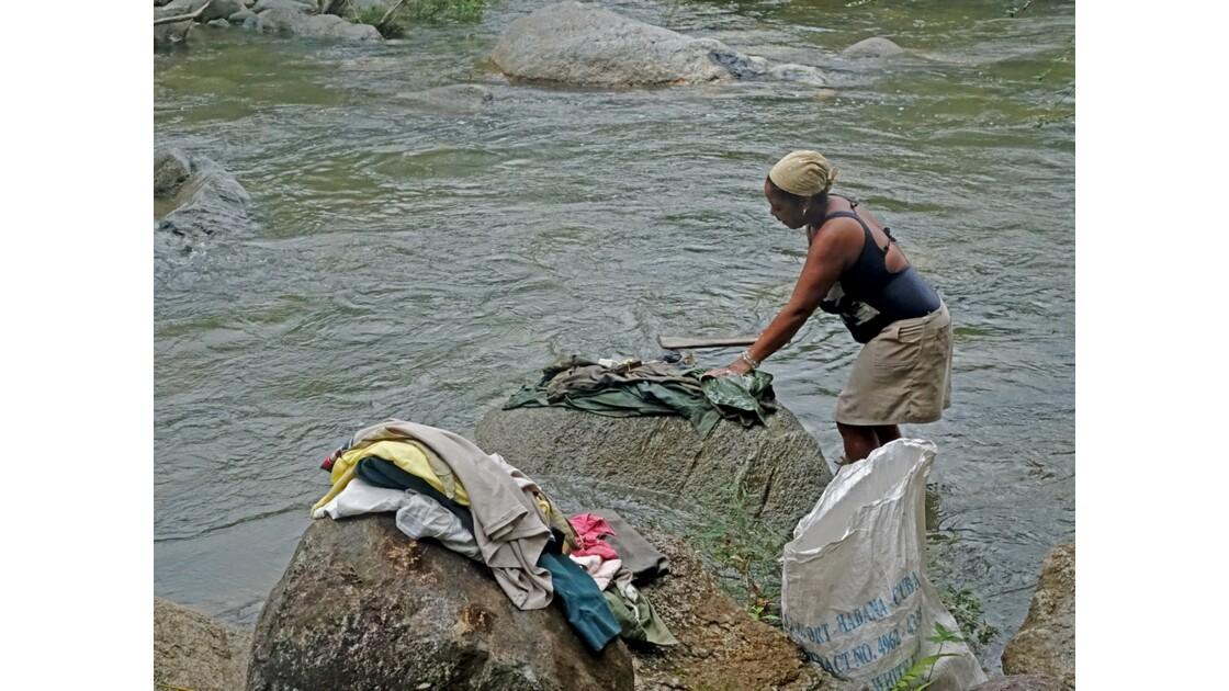 Cuba la lavandière du Rio Duaba 1