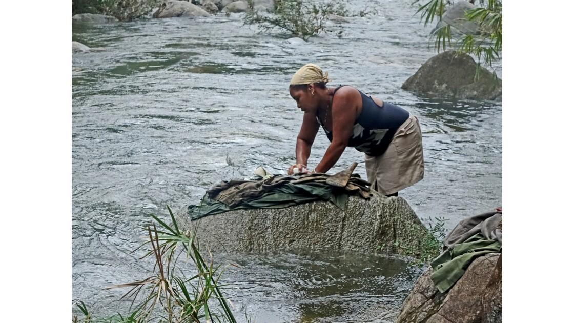 Cuba la lavandière du Rio Duaba 2