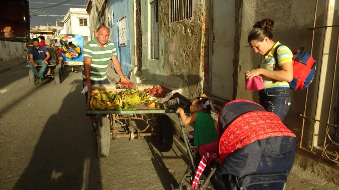 Cuba Dans les rues de Camargüey 1