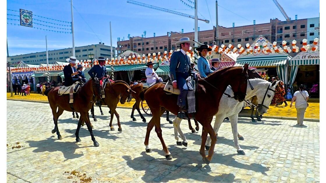 La Feria de Séville : Un rassemblement de couleurs, de danses et de joies simples, aux racines paysannes