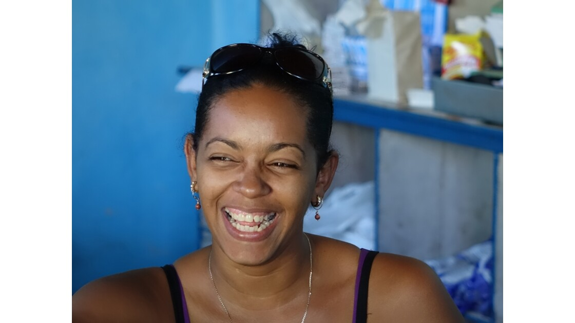 Cuba Trinidad la vendeuse du Magasin d'Etat 1