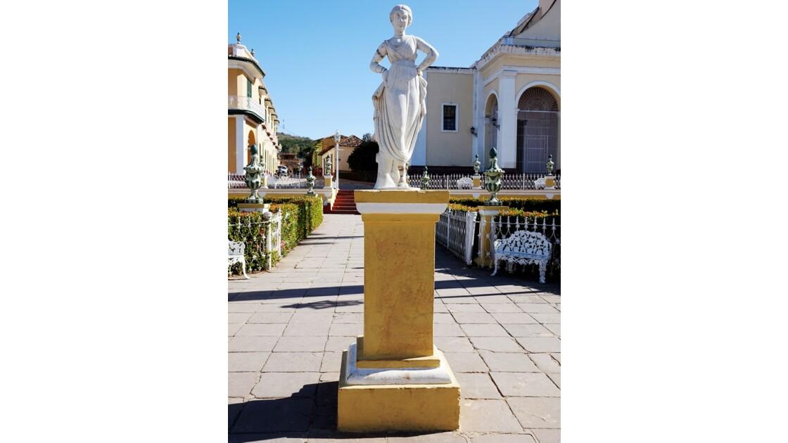 Cuba Trinidad Statue en marbre de la Plaza Mayor 1