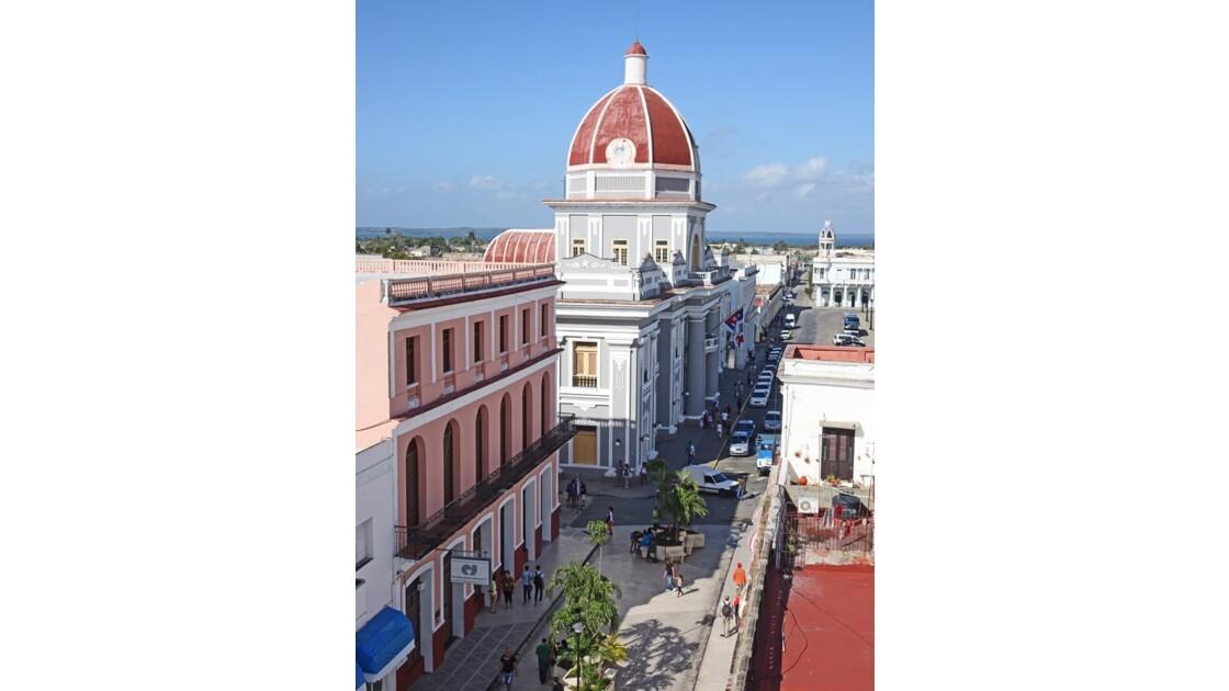 Cuba Cienfuegos Antiguo ayuntamiento vu de l'hôtel La Union