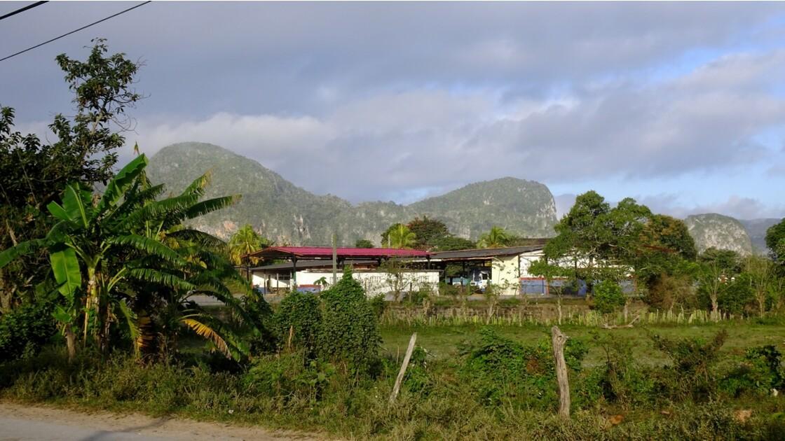 Cuba Vinales Sunrise sur les Mogotes 2