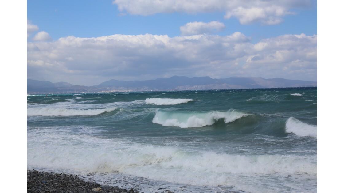 côte nord-est de la Crête par grand vent