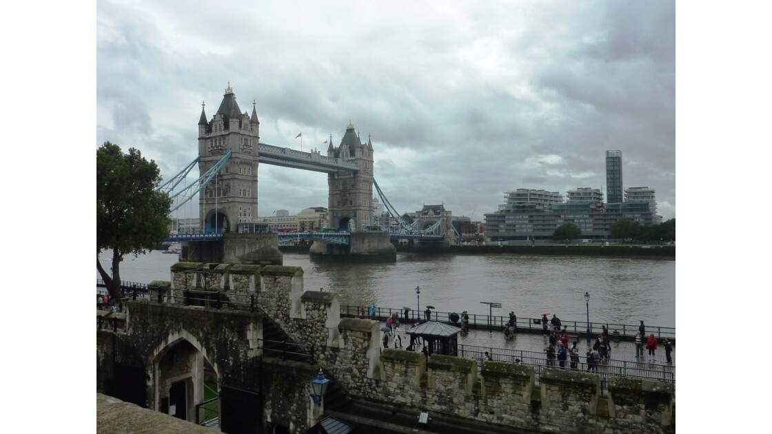 City et Tower Bridge vus de Tower of London