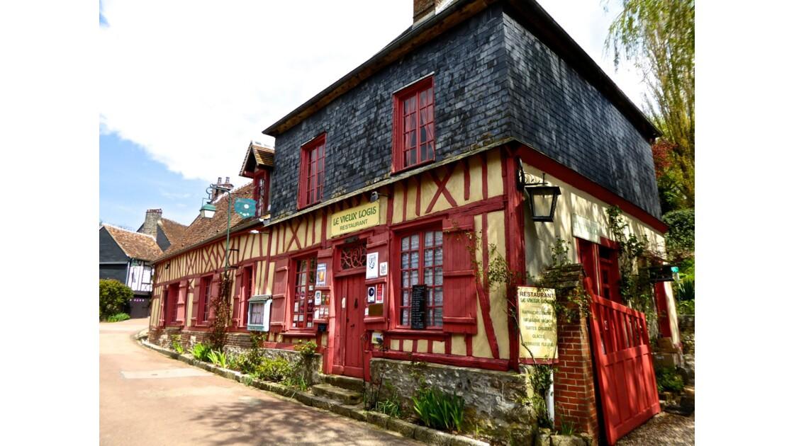 Gerberoy classé parmi les plus beaux villages de France, en Normandie, au coeur de la Picardie