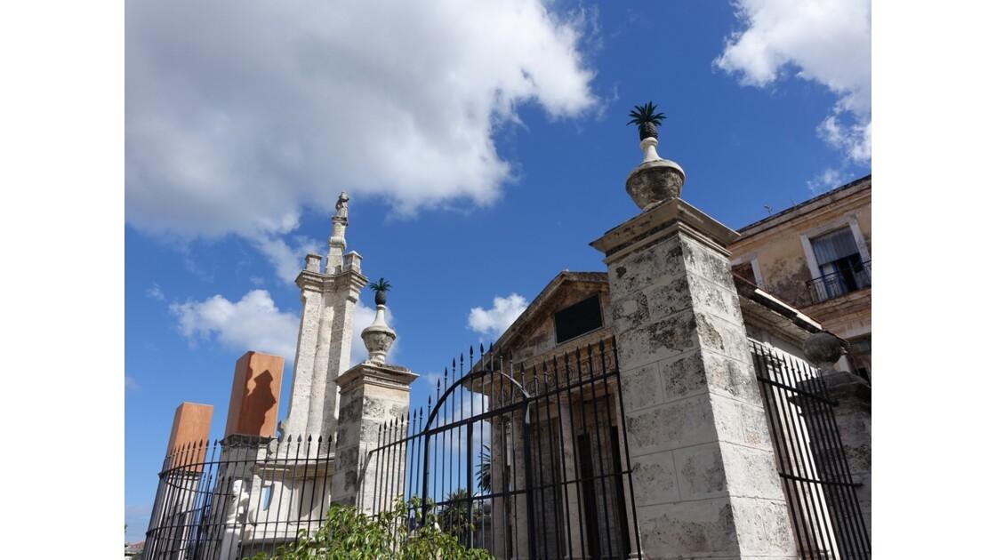 Cuba La Havane Plaza de Armas El Templete 2