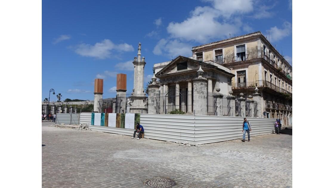Cuba La Havane Plaza de Armas El Templete 3