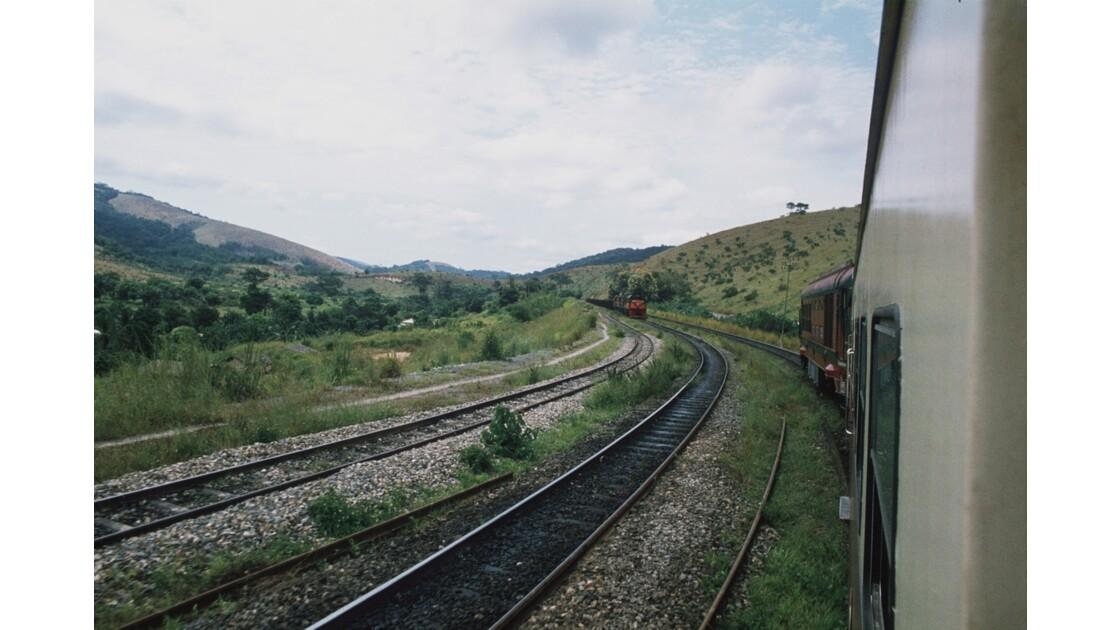 Congo 70 CFCO Croisement entre trains 1