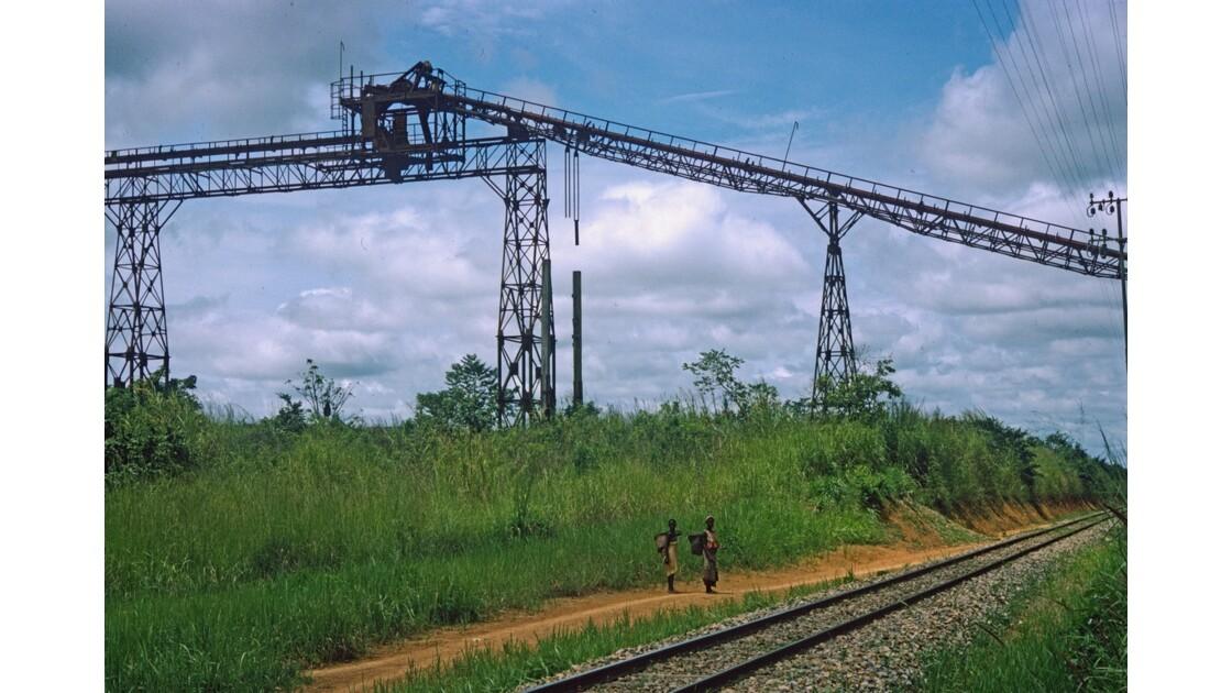 Congo 70 CFCO près de la gare Les Saras