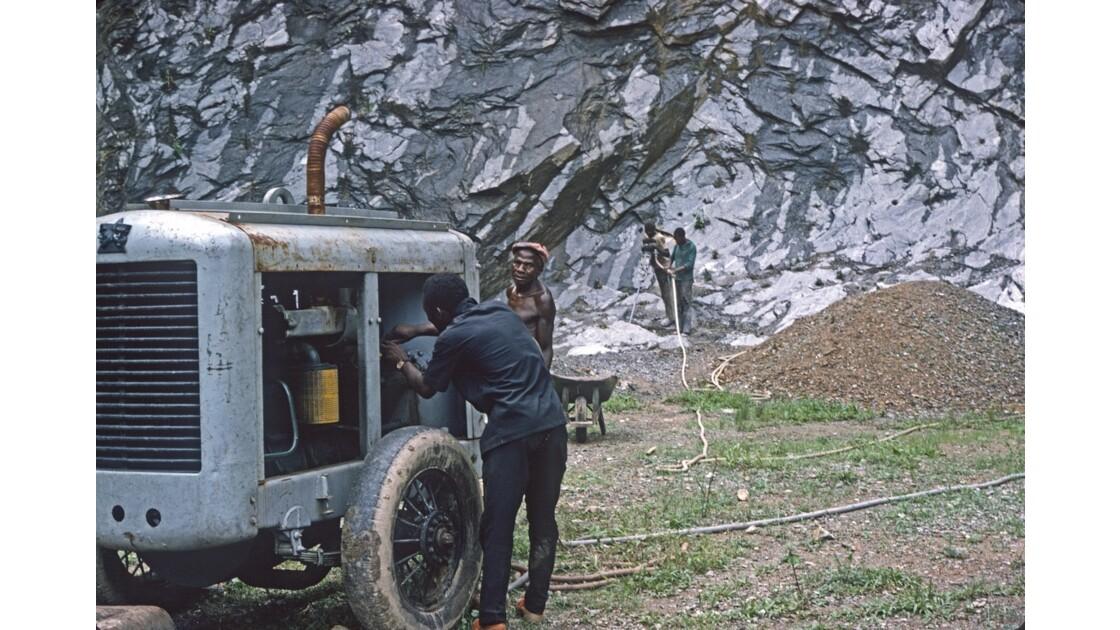 Congo 70 CFCO Travaux dans le Mayombe 1