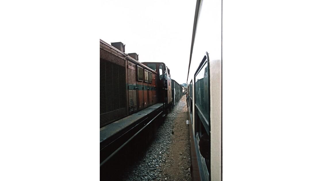 Congo 70 CFCO Croisement entre trains 5