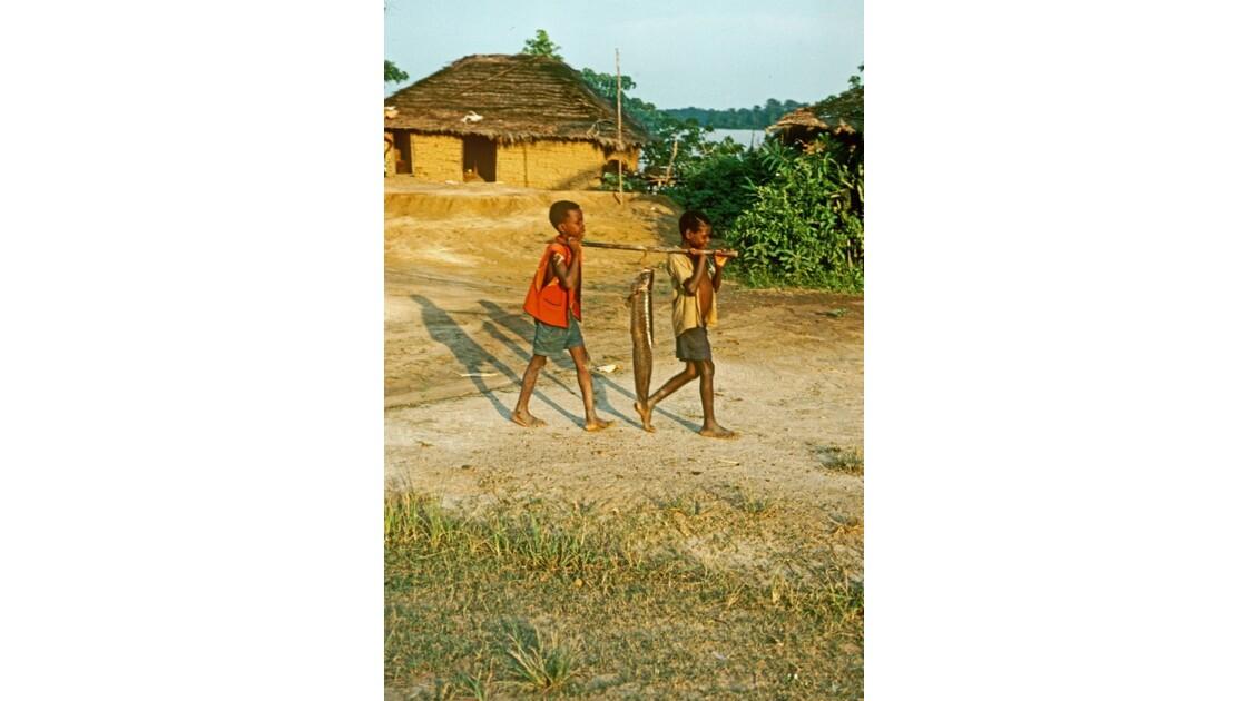 Congo 70 Impfondo Retour de pêche 1