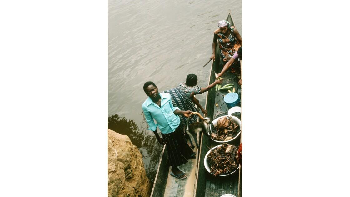 Congo 70 Les pirogues d'Impfondo 3