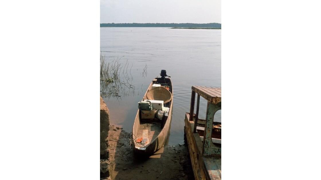 Congo 70 Sur l'Oubangui notre pirogue