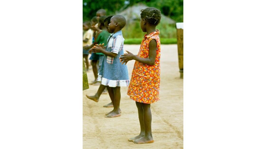 Congo 70  Dongou Sport à l'école 1