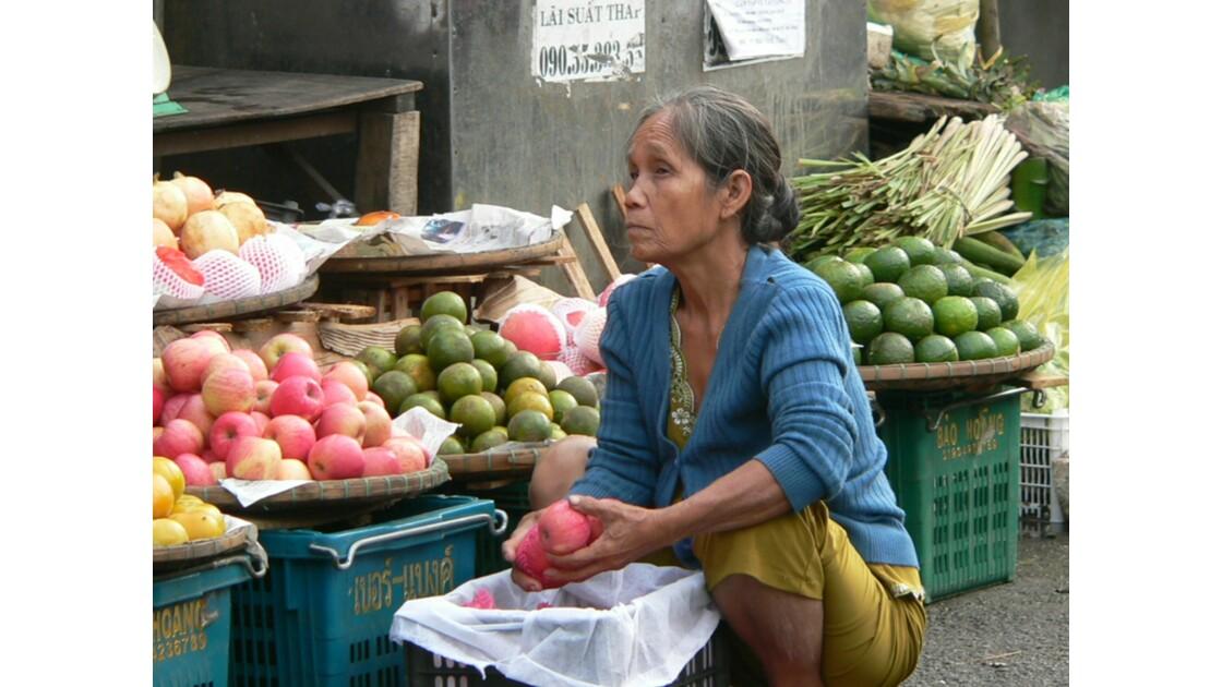 Hué 6h du matin sur un marché