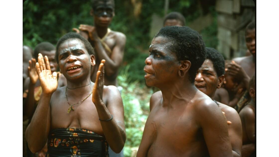 Congo 70 Chants pygmées à MBirou 1