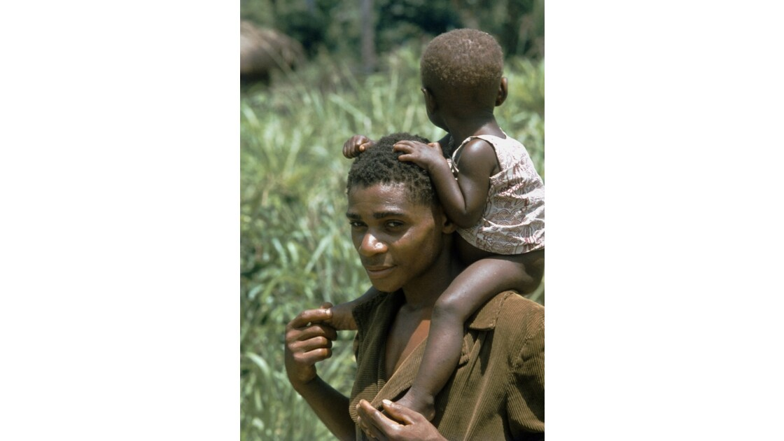 Congo 70 Famille pygmée autour de Ouesso 2