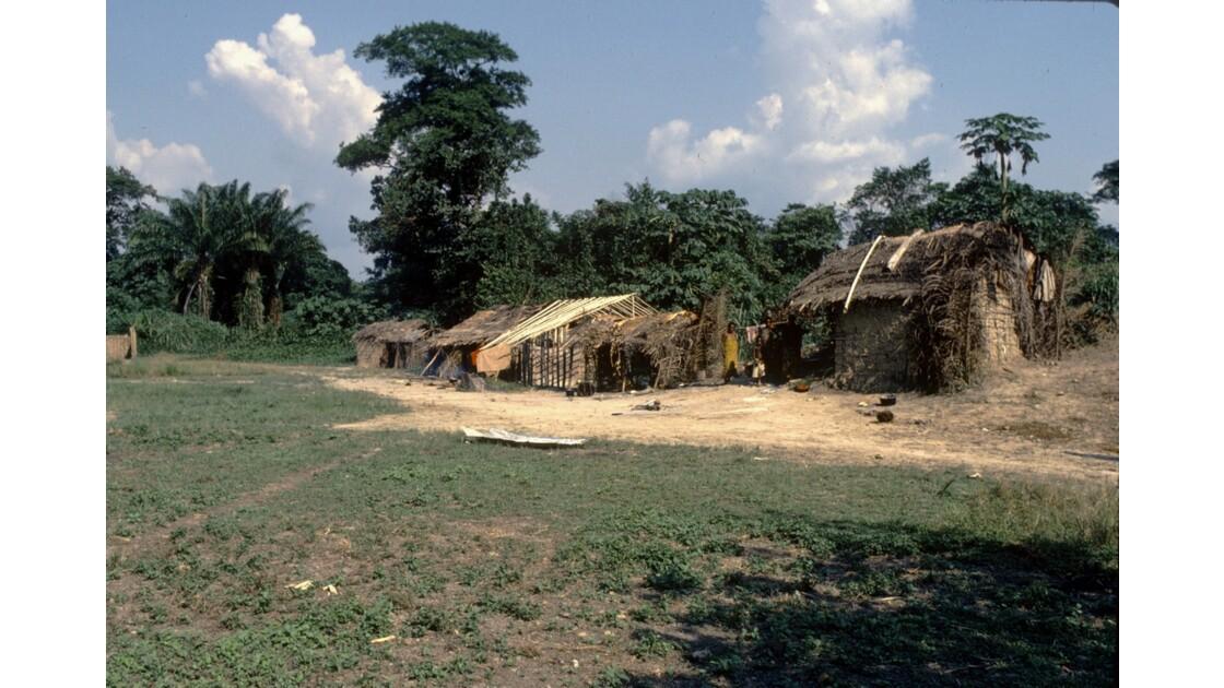 Congo 70 Village pygmée près de Ouesso 1