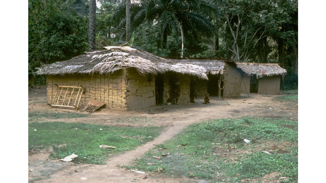 Congo 70 Village pygmée près de Ouesso 2
