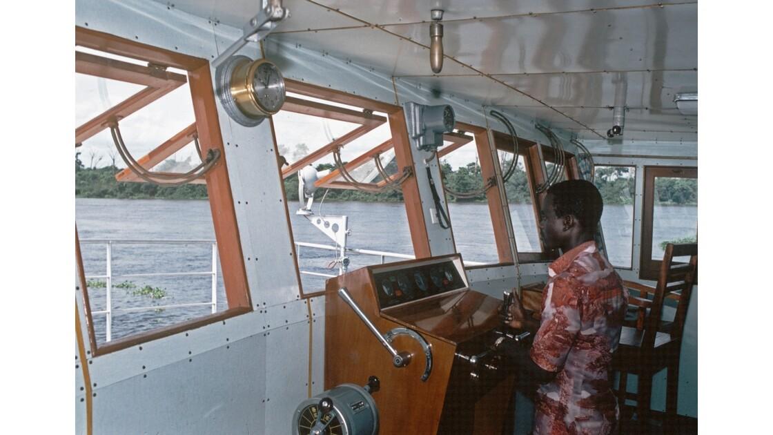 Congo 70 D'Impfondo à Brazzaville Cabine de pilotage de Ville de Ngabé 3