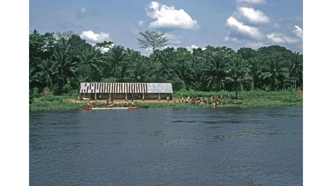 Congo 70 D'Impfondo à Brazzaville Arrivée à Liranga