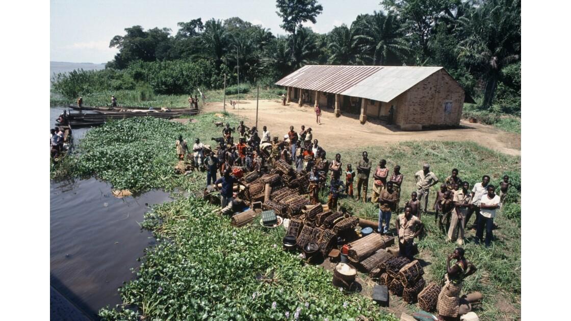 Congo 70 D'Impfondo à Brazzaville Escale à Liranga 2