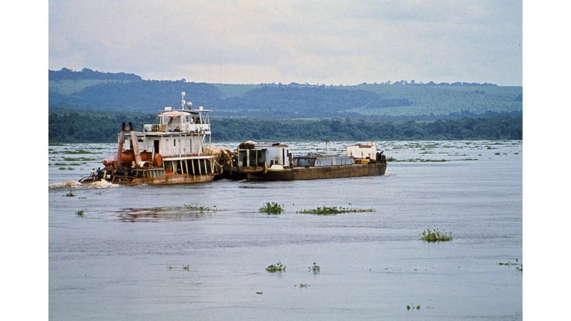 Congo 70 D'Impfondo à Brazzaville Pousseur sur le Congo