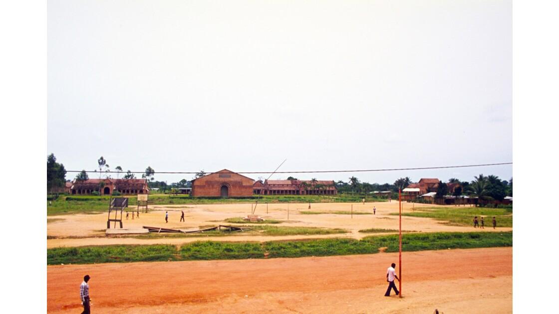 Congo 70 Ouesso La mission catholique avec sa cathédrale