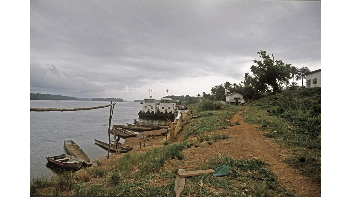 Congo 70 Ouesso Le Port 3