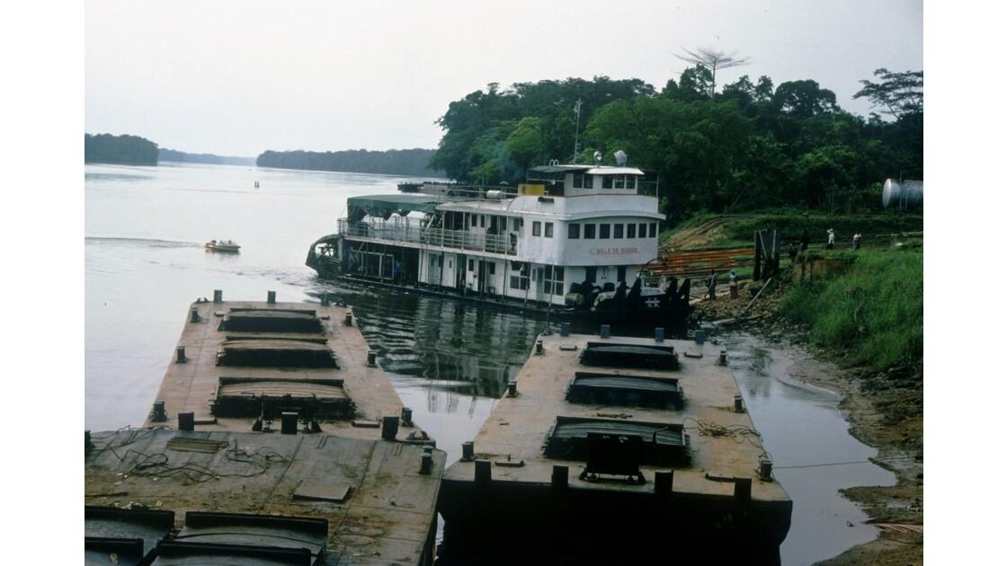 Congo 70 Ouesso Le Port 4