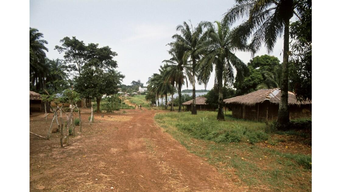 Congo 70 Ouesso Vers le Port 3
