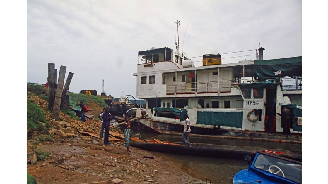 Congo 70 Ouesso Le Port 5