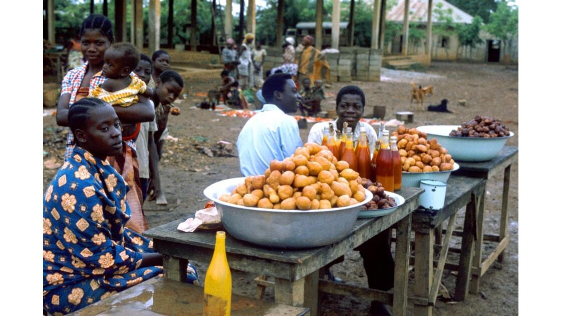 Congo 70 Ouesso Le marché 1