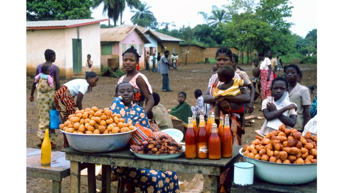 Congo 70 Ouesso Le marché 2