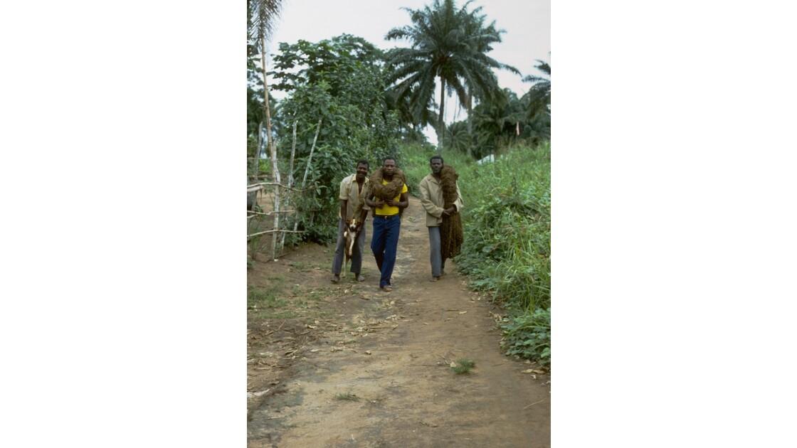Congo 70 Etoumbi Départ pour la chasse au filet 2