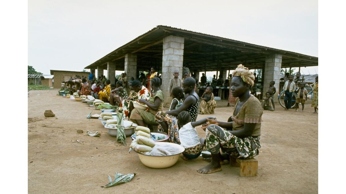 Congo 70 Etoumbi Le marché 1
