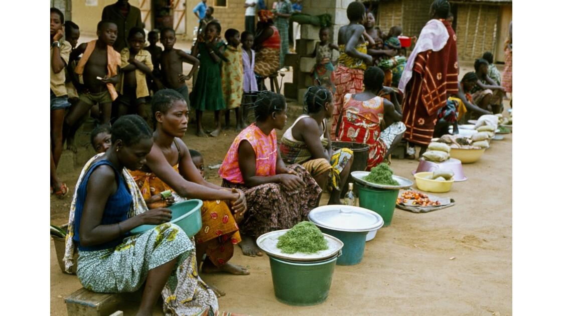 Congo 70 Etoumbi Le marché 4