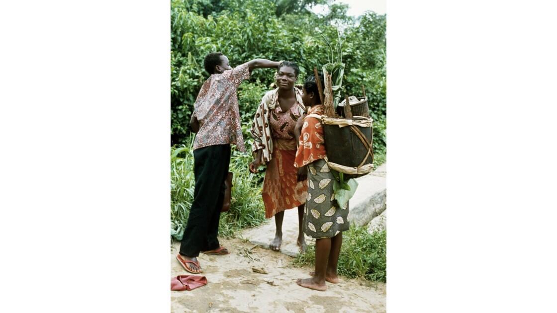 Congo 70 Kellé L'achat de manioc 1