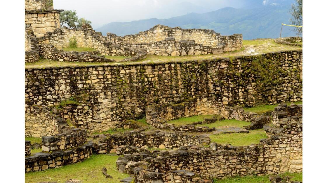 Kuelap - forteresse ou cité fortifiée ?