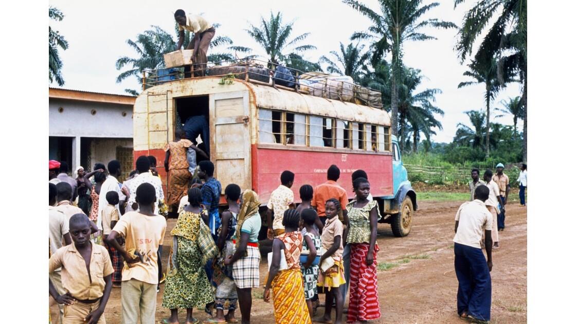 Congo 70 Zanaga Le car pour Sibiti 1
