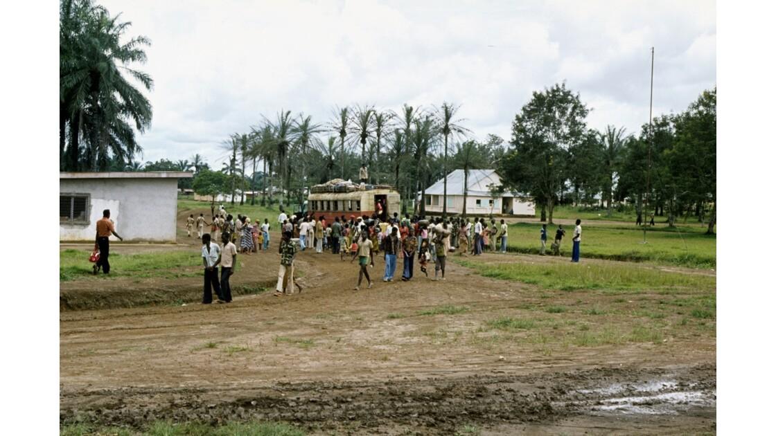 Congo 70 Zanaga Le car pour Sibiti 2