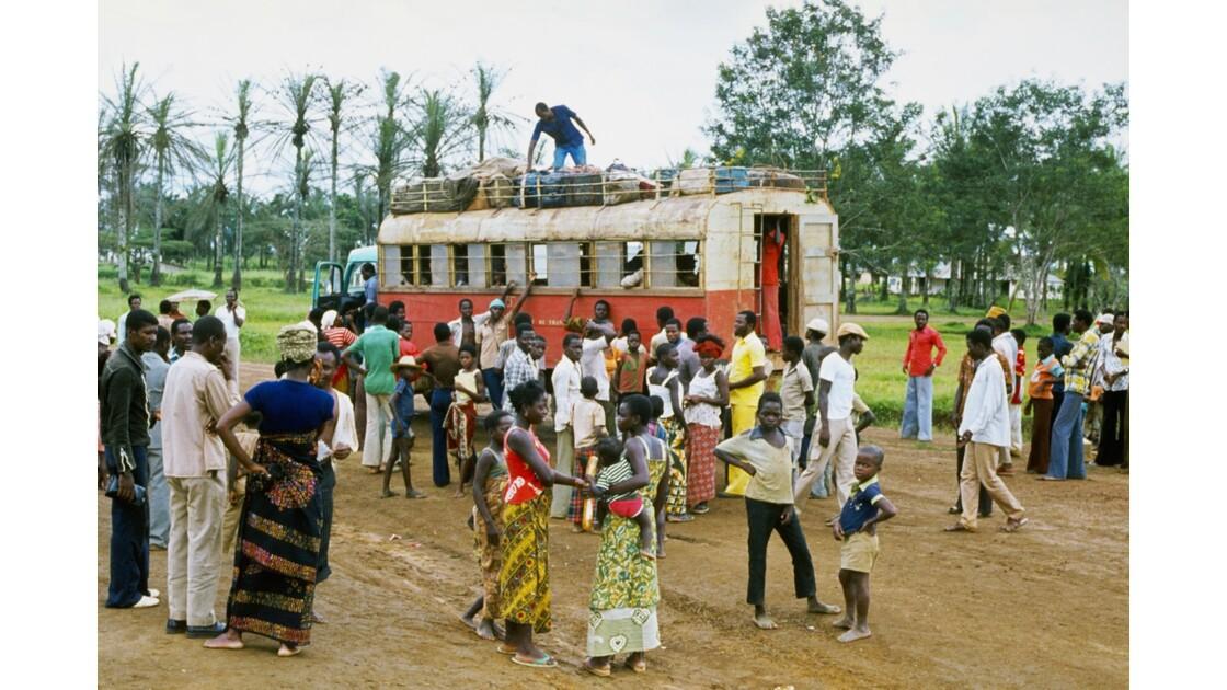 Congo 70 Zanaga Le car pour Sibiti 3