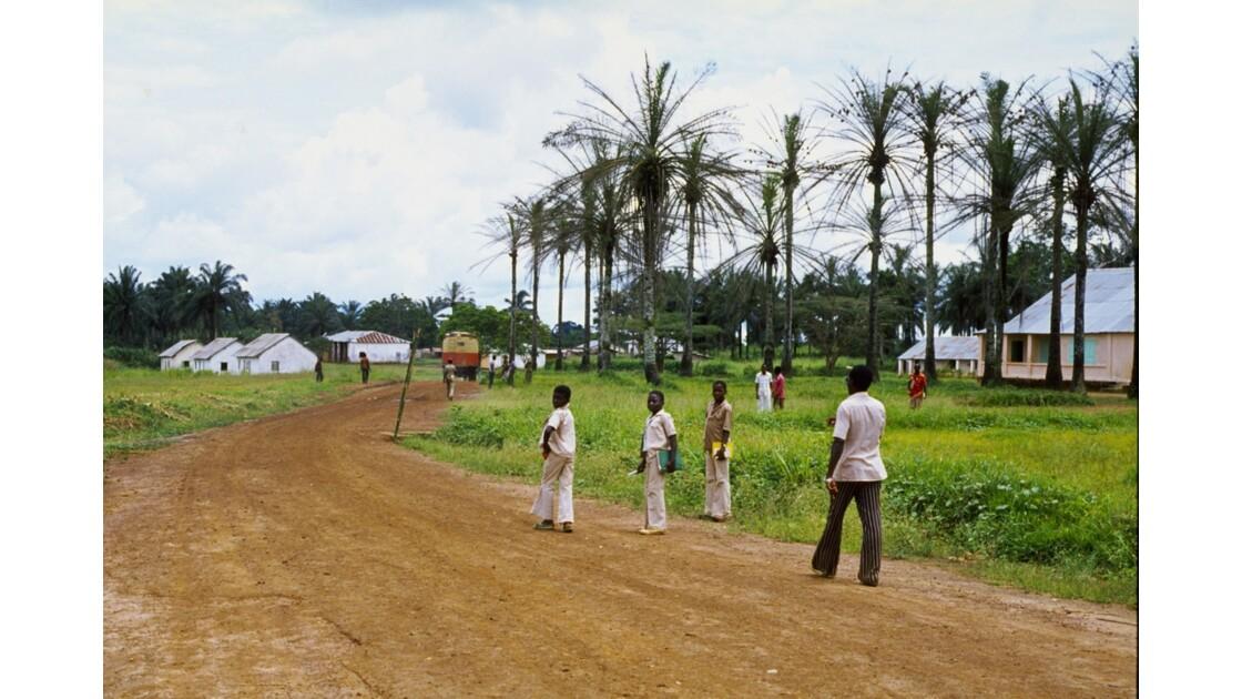 Congo 70 Zanaga Le départ du car pour Sibiti