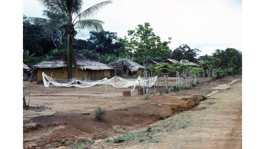 Congo 70 Village entre Zanaga et Misasa 2