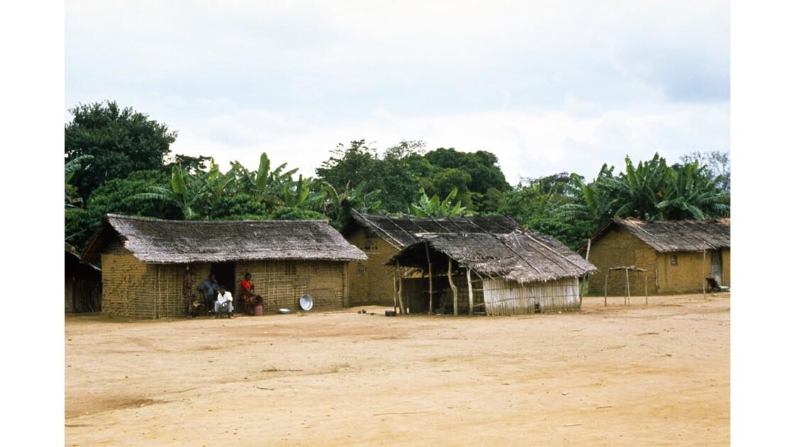 Congo 70 Village entre Zanaga et Misasa 4