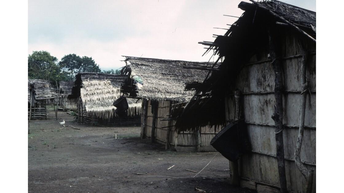 Congo 70 Village près de Bambama