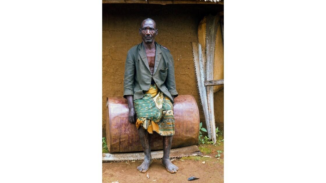 Congo 70  Autour de Sibiti  un villageois